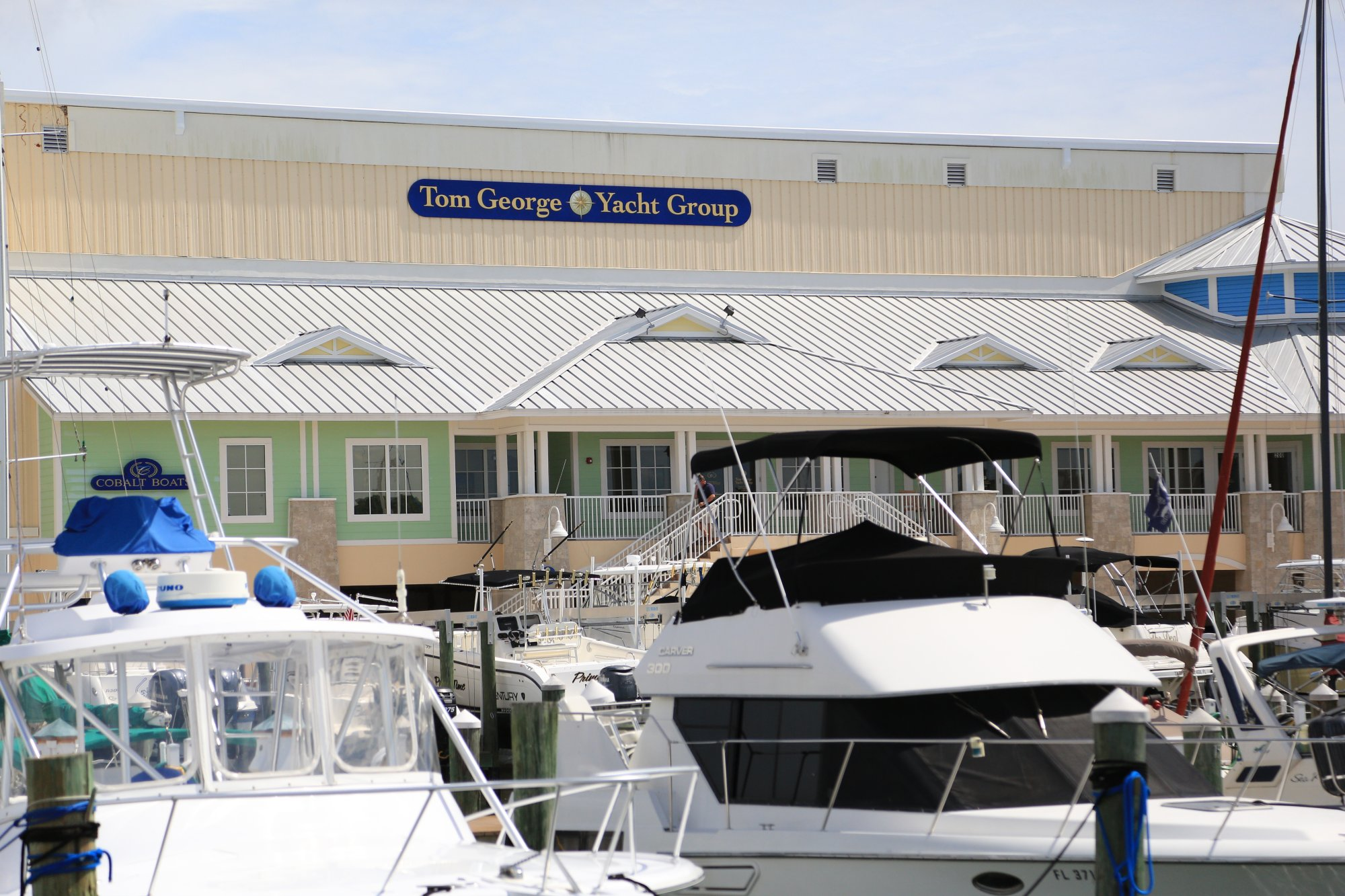 Tom George Marina front dockmaster office