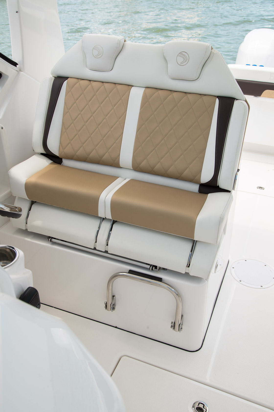Image 1662: edgewater 262cx double helm seat
