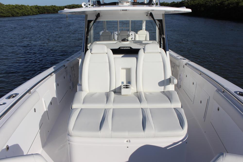 Image 1587: everglades 435cc seating 2