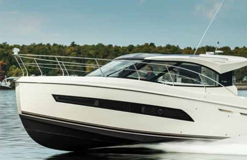 Carver C34 Coupe - Boating Spotlight